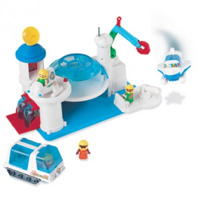 Pretend & Play® Space Station
